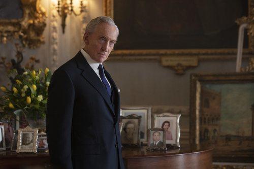 Charles Dance es Lord Mountbatten en la tercera temporada de 'The Crown'