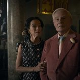 Derek Jacobi y Geraldine Chaplin en la tercera temporada de 'The Crown'