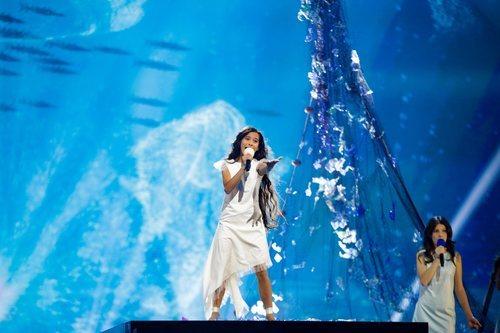 Melani, rodeada de redes y un fondo marino en el segundo ensayo de Eurovisión Junior 2019