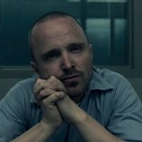 Aaron Paul es Warren Cave en 'Truth Be Told'