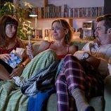 Alicia Rubio, Marta Hazas y Juan López-Tagle en la segunda temporada de 'Pequeñas coincidencias'