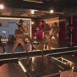 Los strippers de 'Toy Boy' al desnudo en el capítulo 1x10