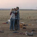 John Ortiz y Stefania LaVie Owen en 'Mesías', serie de Netflix