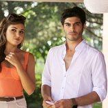 Hayat y Murat viven una complicada historia en 'Hayat: Amor sin palabras'