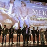 Todo el equipo en el escenario presentando 'Merlí: Sapere Aude' en la premiere de Barcelona