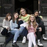 Eva, Nora, Viri, Cris y Amira en una imagen promocional de la tercera temporada de 'Skam España'