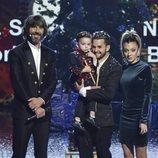 Hugo Molina, sus padres y Santi Millán en la final de 'Got Talent España 5'
