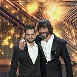 Santi Millán y el padre de Hugo Molina en la final de 'Got Talent España 5'