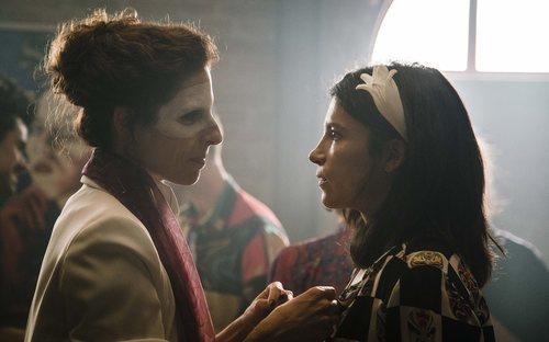Belén (Beatriz Argüello) e Inés (Irene Visedo) en 'Cuéntame cómo pasó'