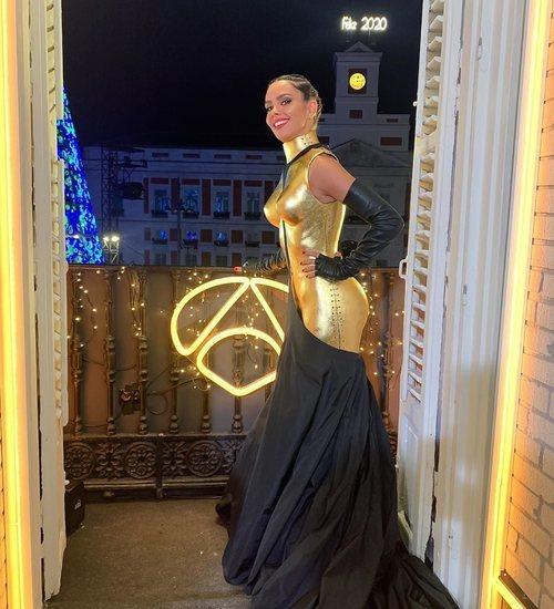 Cristina Pedroche posa con su vestido para las Campanadas 2019-2020