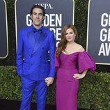 Sacha Baron Cohen e Isla Fisher en la alfombra roja de los Globos de Oro 2020
