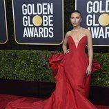 Scarlett Johansson en la alfombra roja de los Globos de Oro 2020
