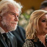 Edmundo Arrocet y Carmen Borrego en el funeral de 'El cielo puede esperar'