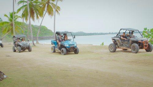 Las parejas de 'La isla de las tentaciones' llegan en coche al primer programa