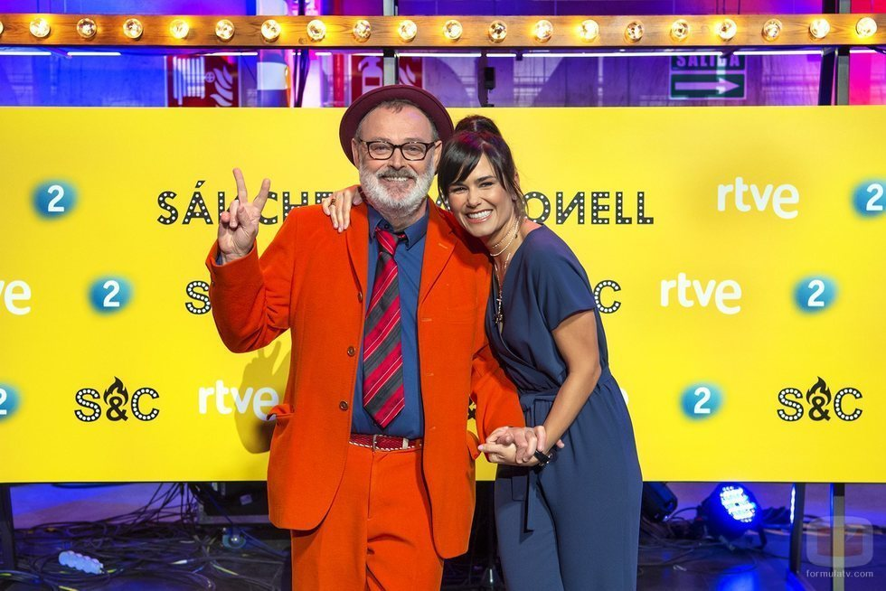 Elena S. Sánchez y Pablo Carbonell, presentadores de 'Sánchez y Carbonell'