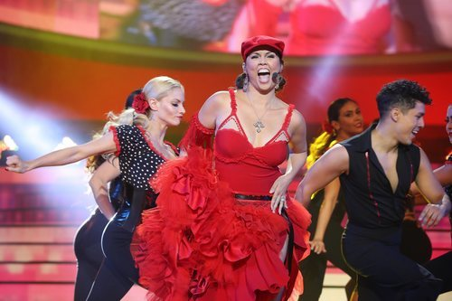 Cristina Ramos es Jennifer López en la Gala 2 de 'Tu cara me suena 8'