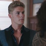 Daniel Arteaga (Patrick Criado) en el 2x01 de 'Vivir sin permiso'
