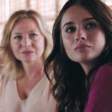 Chon y Nina, juntas en el 2x01 de 'Vivir sin permiso'