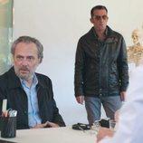 Nemo y Ferro acuden a consulta del doctor Olid en el 2x01 de 'Vivir sin permiso'