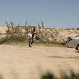 Cruz (Juan Messier) coge a Soledad en 'Perdida'