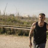 Cruz (Juan Messier) en el secuestro de Soledad en 'Perdida'