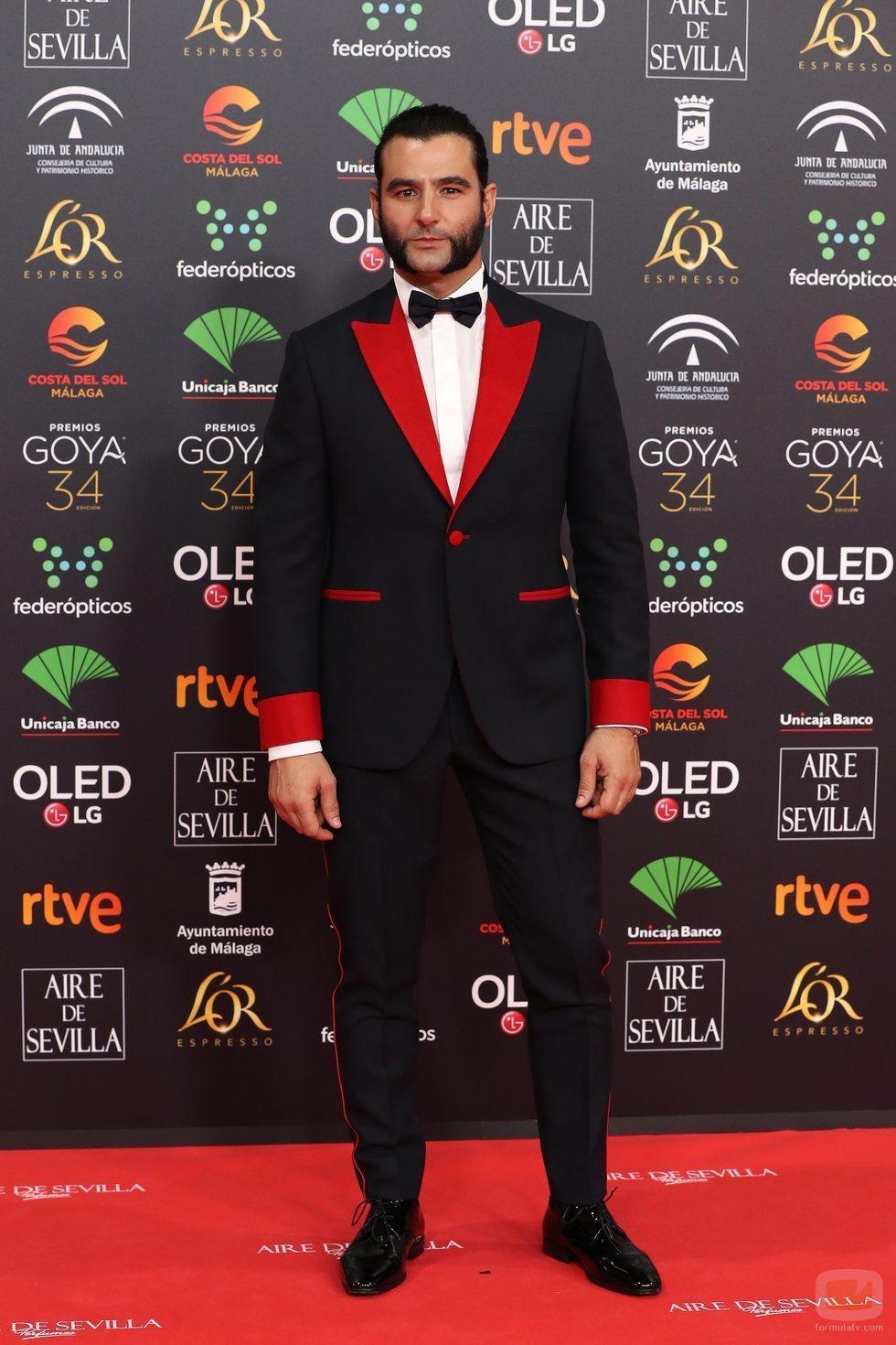 Antonio Velázquez posa en la alfombra roja de los Premios Goya 2020