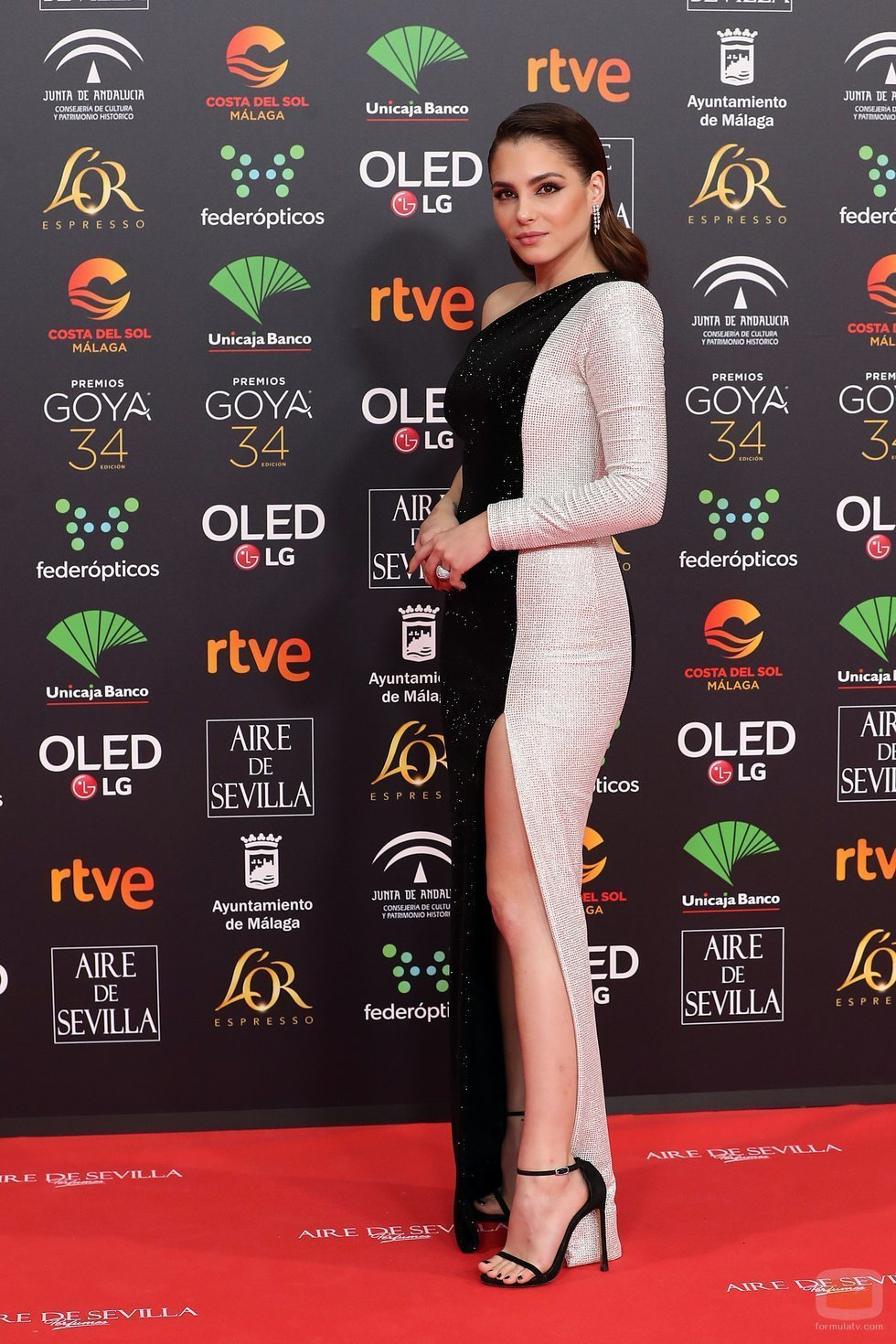 Andrea Duro posa en la alfombra roja de los Premios Goya 2020