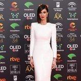 Paz Vega posa en la alfombra roja de los Premios Goya 2020