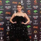 Natalia de Molina posa en la alfombra roja de los Premios Goya 2020