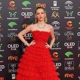 Ester Expósito posa en la alfombra roja de los Premios Goya 2020
