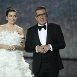 Silvia Abril y Andreu Buenafuente durante el inicio de la gala de los Premios Goya 2020