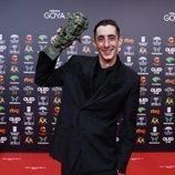 Enric Auquer con su Premio Goya 2020 a Mejor Actor Revelación