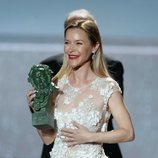 María Esteve con el Premio Goya de Honor a su madre Marisol