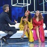 Roberto Leal junto a Nia y Anaju en la Gala 2 de 'OT 2020'