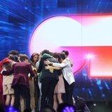 Concursantes de 'OT 2020', abrazados en la Gala 2