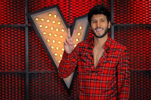 Sebastián Yatra asesora de Pablo López en 'La Voz 2020'