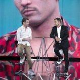 Jorge Javier Vázquez charla con Hugo Castejón en la Gala 3 de 'El tiempo del descuento'