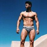 Ismael Nicolás ('La isla de las tentaciones'), muy sexy y sugerente en bañador