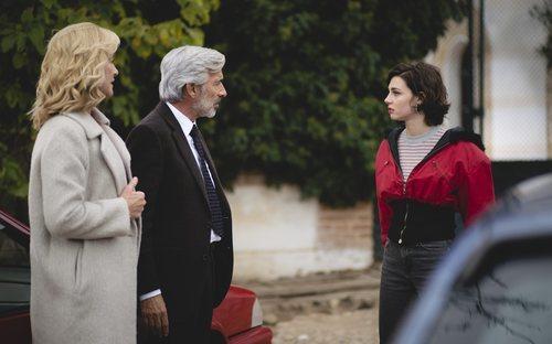 Antonio y Merche se encuentran con su hija María en el capítulo 20x15 de 'Cuéntame cómo pasó'
