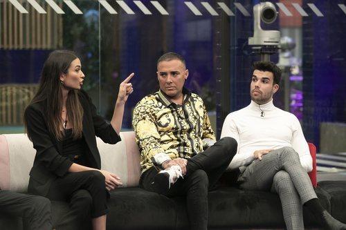 Estela Grande, Dinio García y Pol Badía en la Gala 4 de 'El tiempo del descuento'