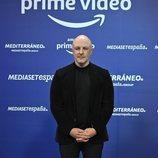 Roberto Álamo ('Caronte') en la rueda de prensa de Amazon y Mediaset España