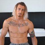 Lewis Leadbetter, de 'La isla de las tentaciones', posa sin camiseta