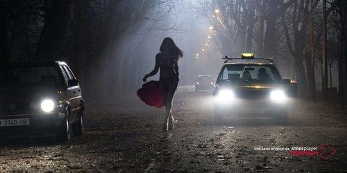 Cristina Ortiz recorre las calles en 'Veneno'