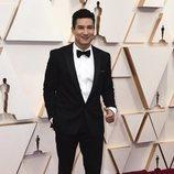 Mario Lopez posa en la alfombra roja de los Oscar 2020