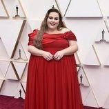 Chrissy Metz posa en la alfombra roja de los Oscar 2020