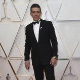 Antonio Banderas posa en la alfombra roja de los Oscar 2020