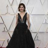 Geena Davis posa en la alfombra roja de los Oscar 2020