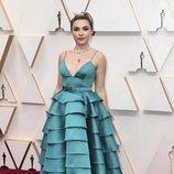 Florence Pugh posa en la alfombra roja de los Oscar 2020