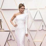 Renée Zellweger posa en la alfombra roja de los Oscar 2020