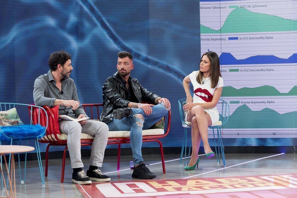 Nuria Marín con Rubén Sánchez, primer invitado de 'La habitación del pánico'